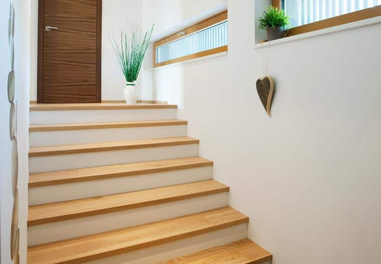 Treppenstufen im hochwertigen Parkett-Design